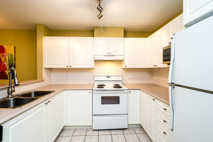 137w17-5 at 604 - 137 West 17th Street, Central Lonsdale, North Vancouver