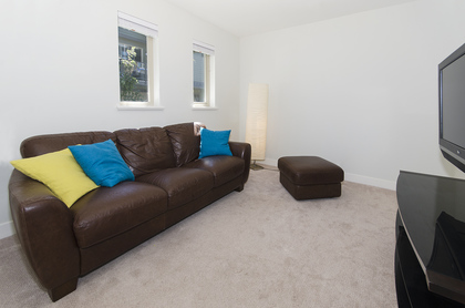 4299 at 17 - 757 Orwell Street, Lynnmour, North Vancouver