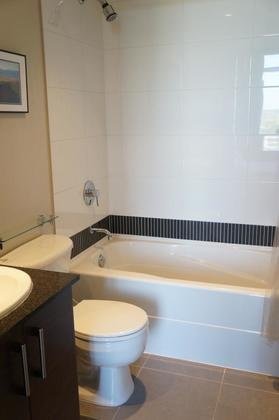 Functional ensuite bathroom with a modern design at 1606 - 2355 Madison Avenue, Brentwood Park, Burnaby North