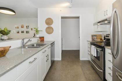 2660 at 309 - 5281 Oakmount Crescent, Oaklands, Burnaby South