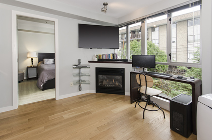 5987 at 410 - 122 East 3rd Street, Lower Lonsdale, North Vancouver