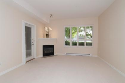 005 at 102 - 3151 Connaught Crescent, Edgemont, North Vancouver