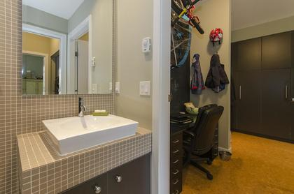 6679 at 209 - 2828 Main Street, Mount Pleasant VE, Vancouver East