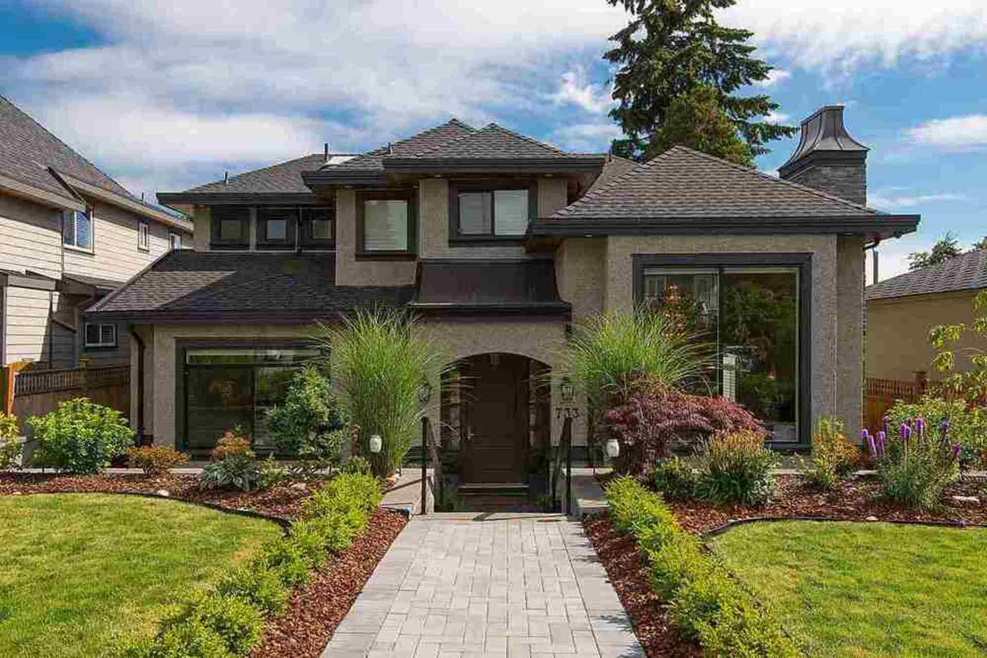 733 7th Street, Queensbury, North Vancouver