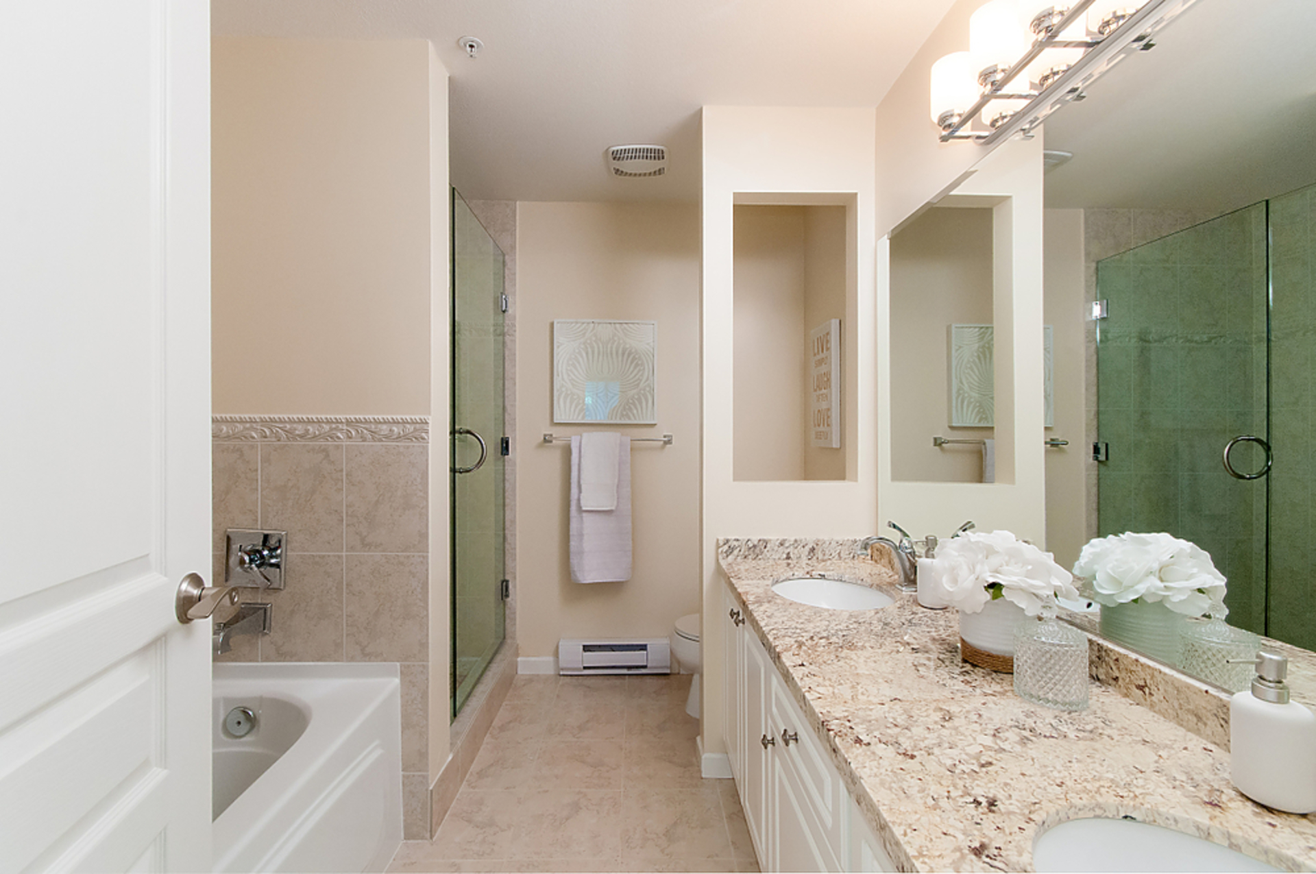 54368 at 6 - 258 W 14th Street, Maple Lane, Central Lonsdale, North Vancouver