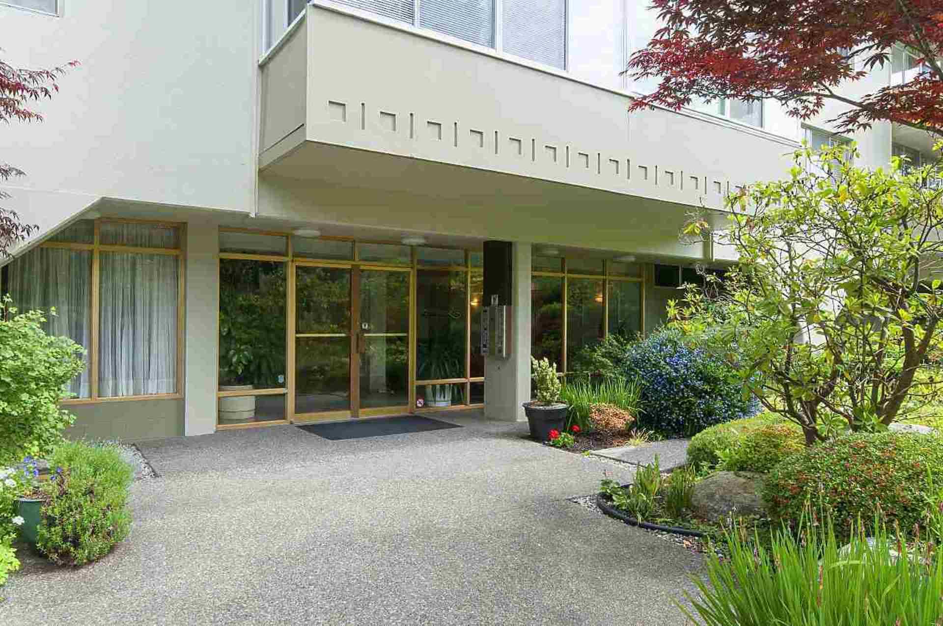 1425-esquimalt-avenue-ambleside-west-vancouver-02 at 505 - 1425 Esquimalt Avenue, Ambleside, West Vancouver
