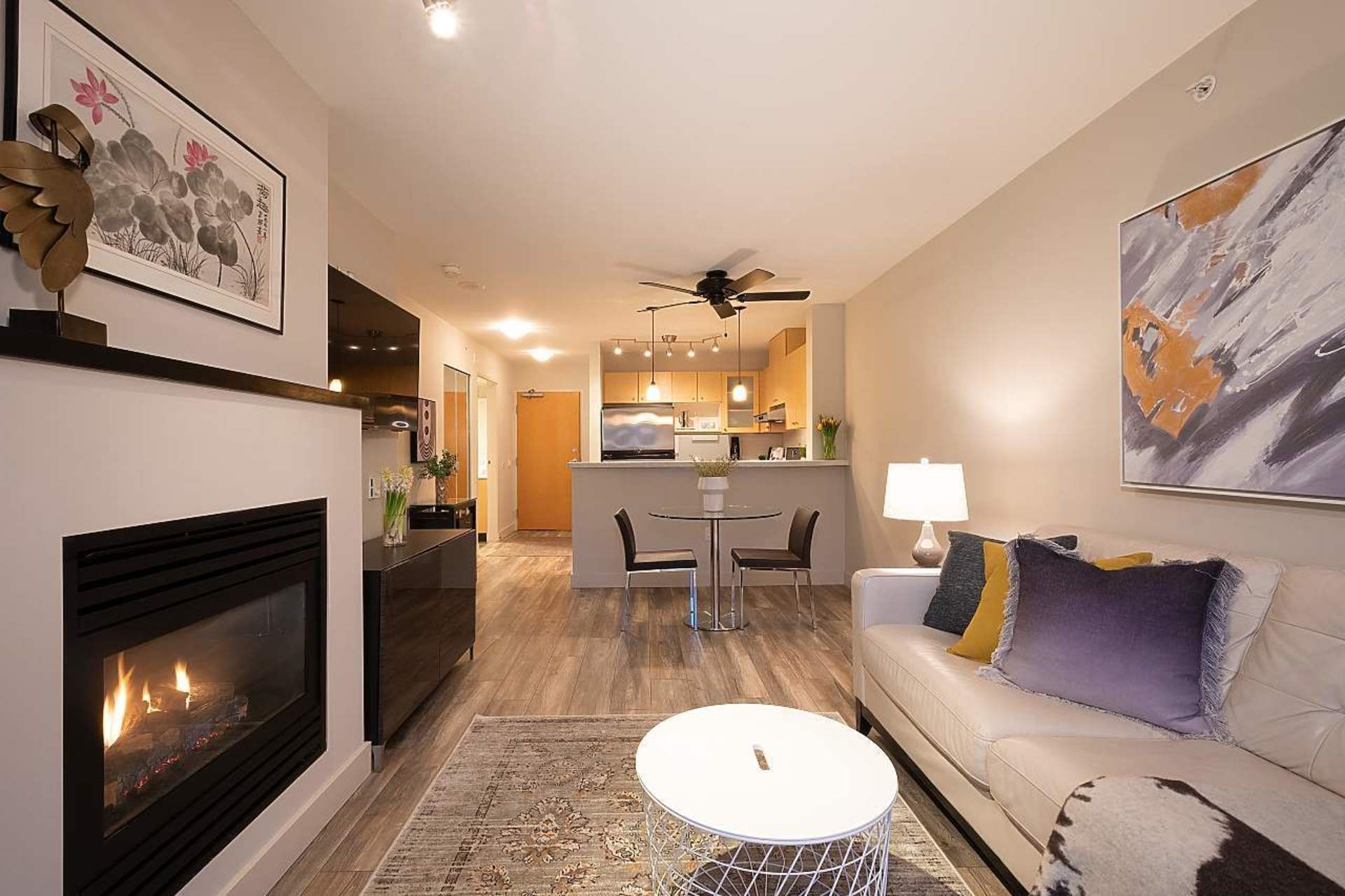 404 - 124 W 1st Street, Lower Lonsdale, North Vancouver