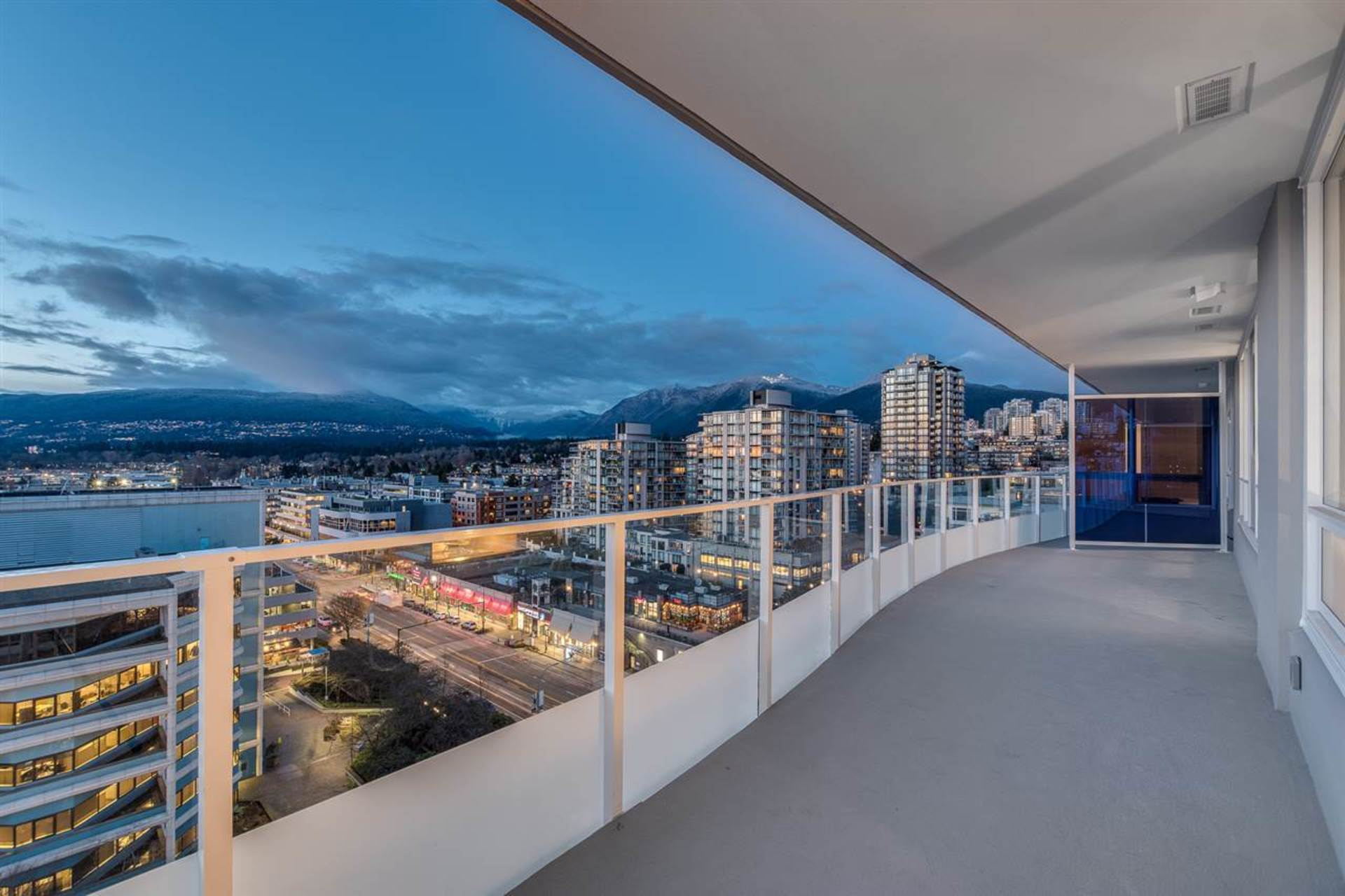 1303 - 118 Carrie Cates Court, Lower Lonsdale, North Vancouver