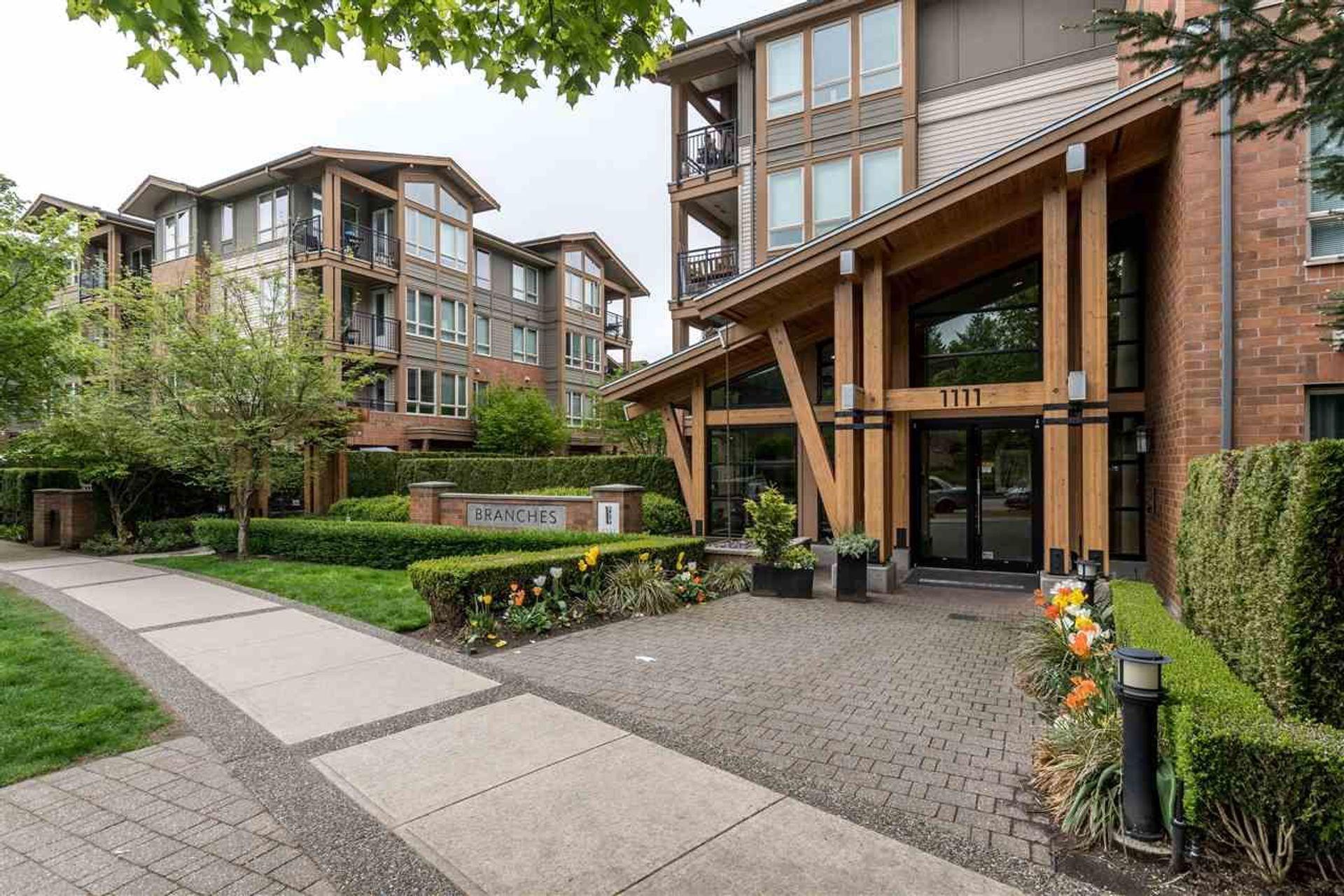 202 - 1111 E 27th Street, Lynn Valley, North Vancouver