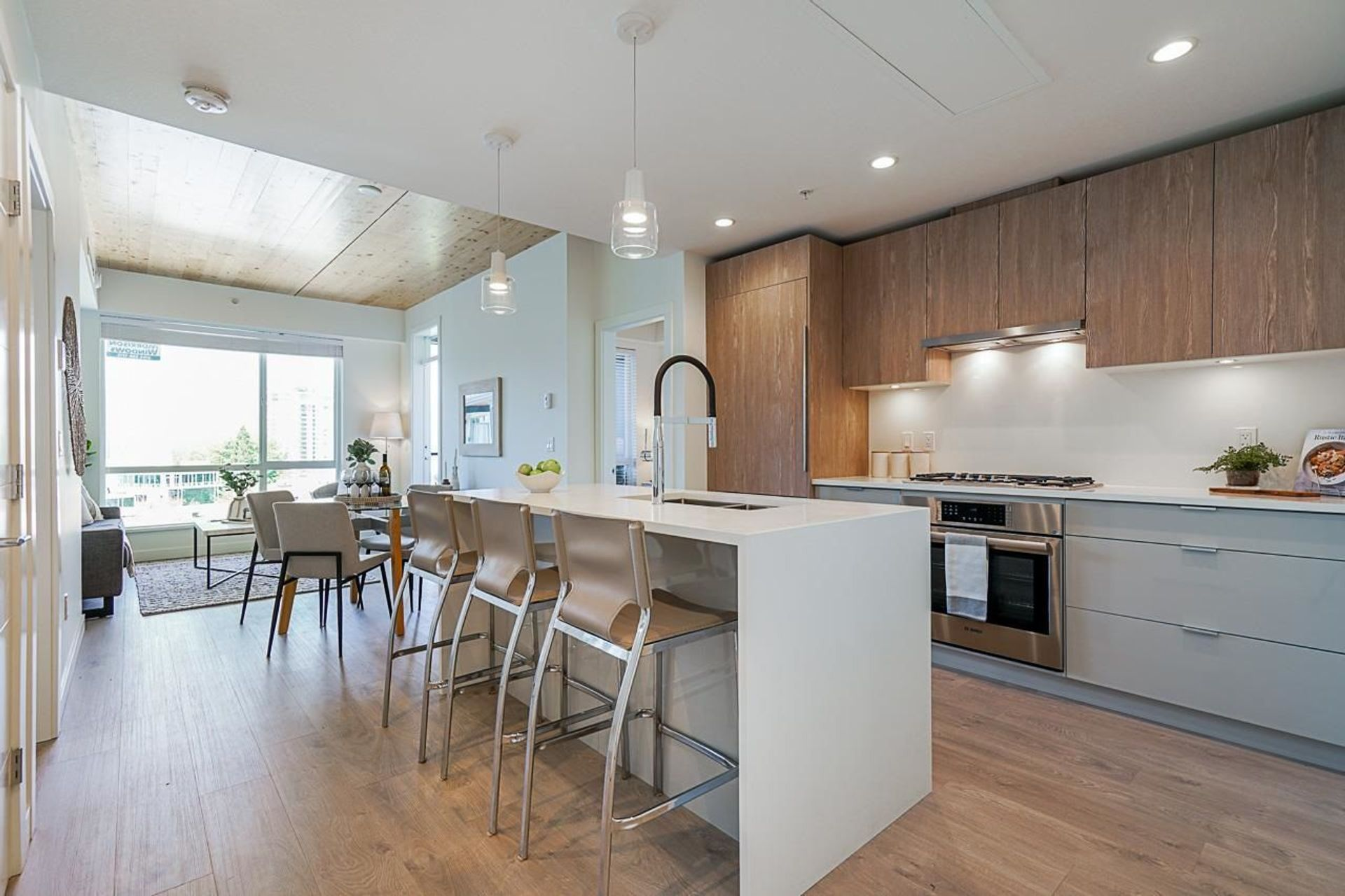 615 - 108 E 8th Street, Central Lonsdale, North Vancouver