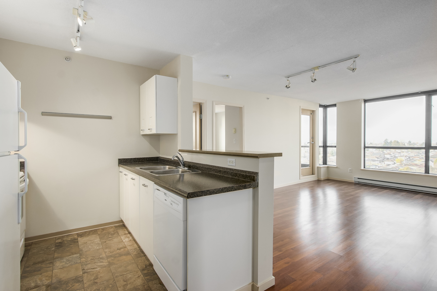 9 at 902 - 3438 Vanness Avenue, Collingwood VE, Vancouver East