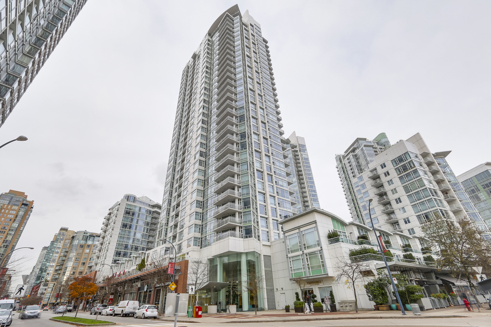 1 at 803 - 1199 Marinaside Crescent, Yaletown, Vancouver West