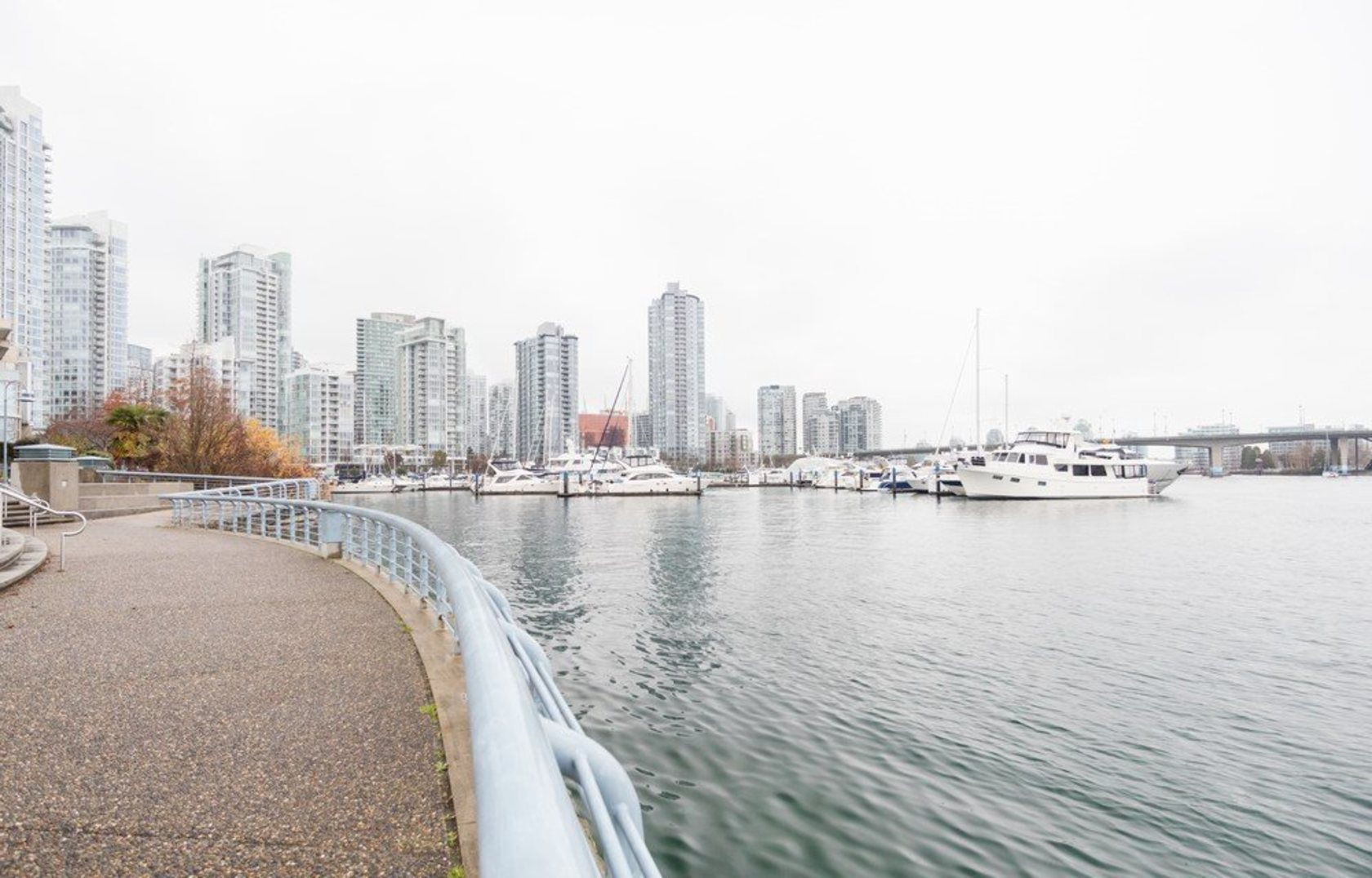 262258306-10 at 705 - 1288 Marinaside, Yaletown, Vancouver West