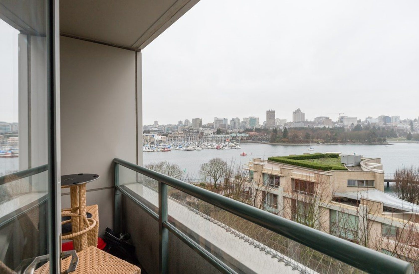 262258306-9 at 705 - 1288 Marinaside, Yaletown, Vancouver West