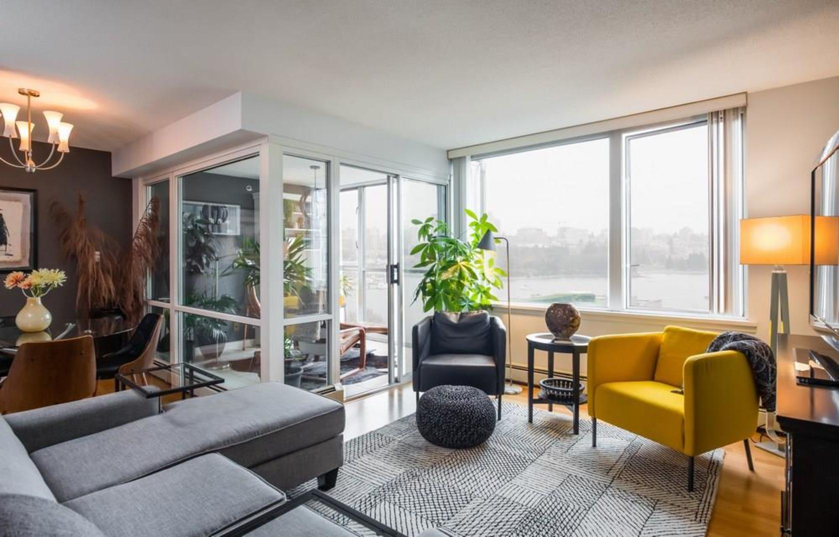 262258306 at 705 - 1288 Marinaside, Yaletown, Vancouver West