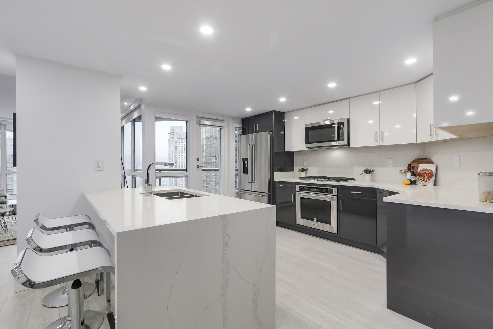10 at 1003 - 1415 W Georgia Street, Coal Harbour, Vancouver West