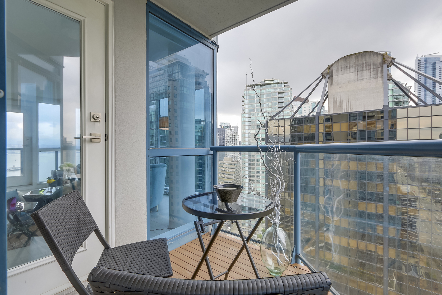 13 at 1704 - 1415 W Georgia Street, Coal Harbour, Vancouver West
