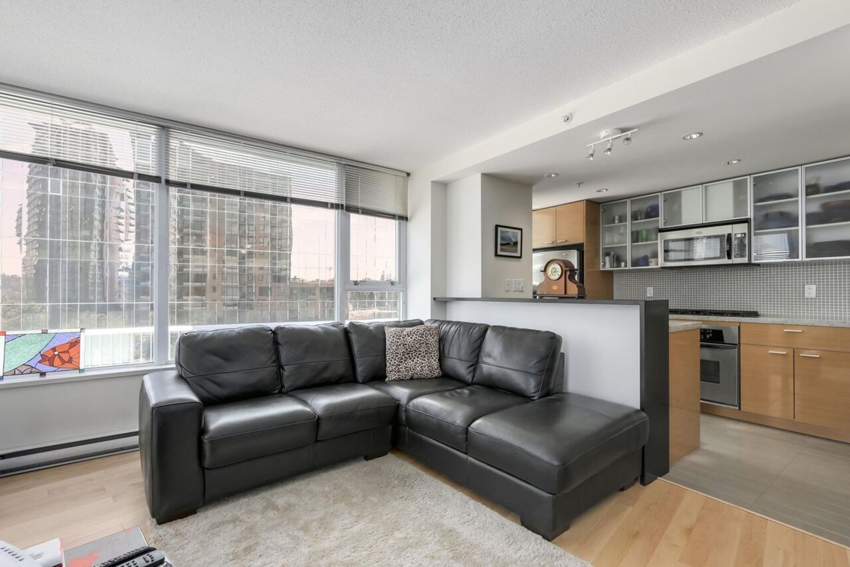 606-33smitheliving at 606 - 33 Smithe Street, Yaletown, Vancouver West