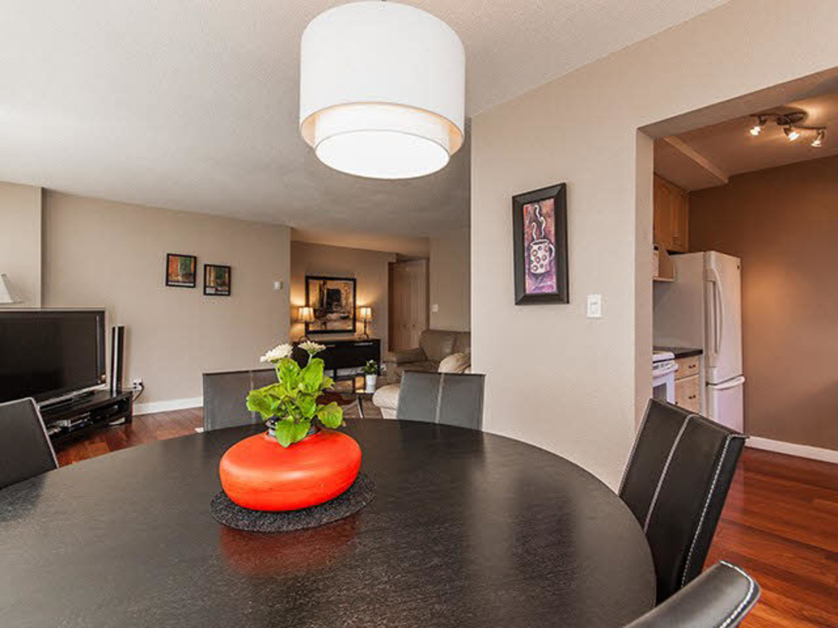 105 - 555 13th Street, Ambleside, West Vancouver