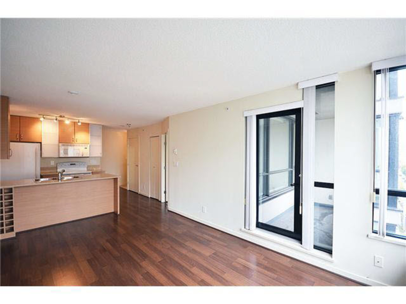 1310 - 909 Mainland Street, Yaletown, Vancouver West