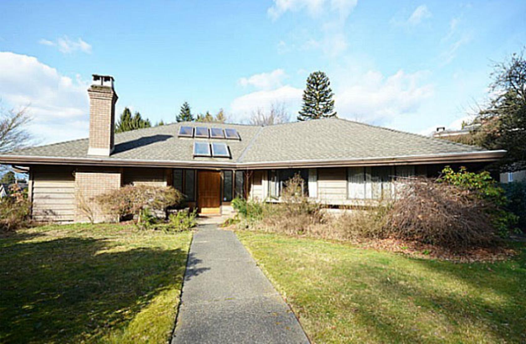 5876 Buckingham Avenue, Deer Lake, Burnaby South