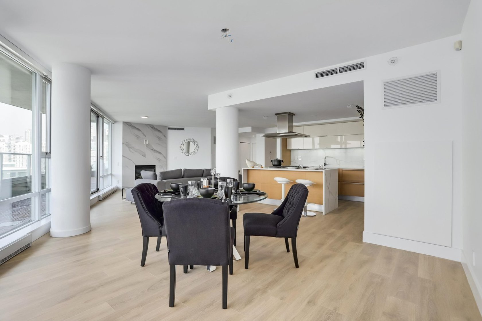 8 at 2603 - 8 Smithe Mews, Cooperage Park (Yaletown), Vancouver West
