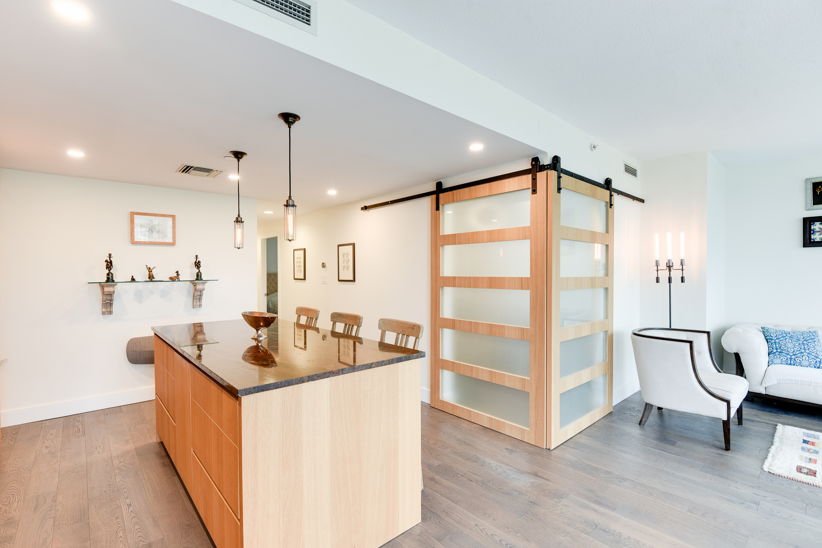 1-2-of-5 at 807 - 633 Kinghorne Mews, Beach Crescent (Yaletown), Vancouver West