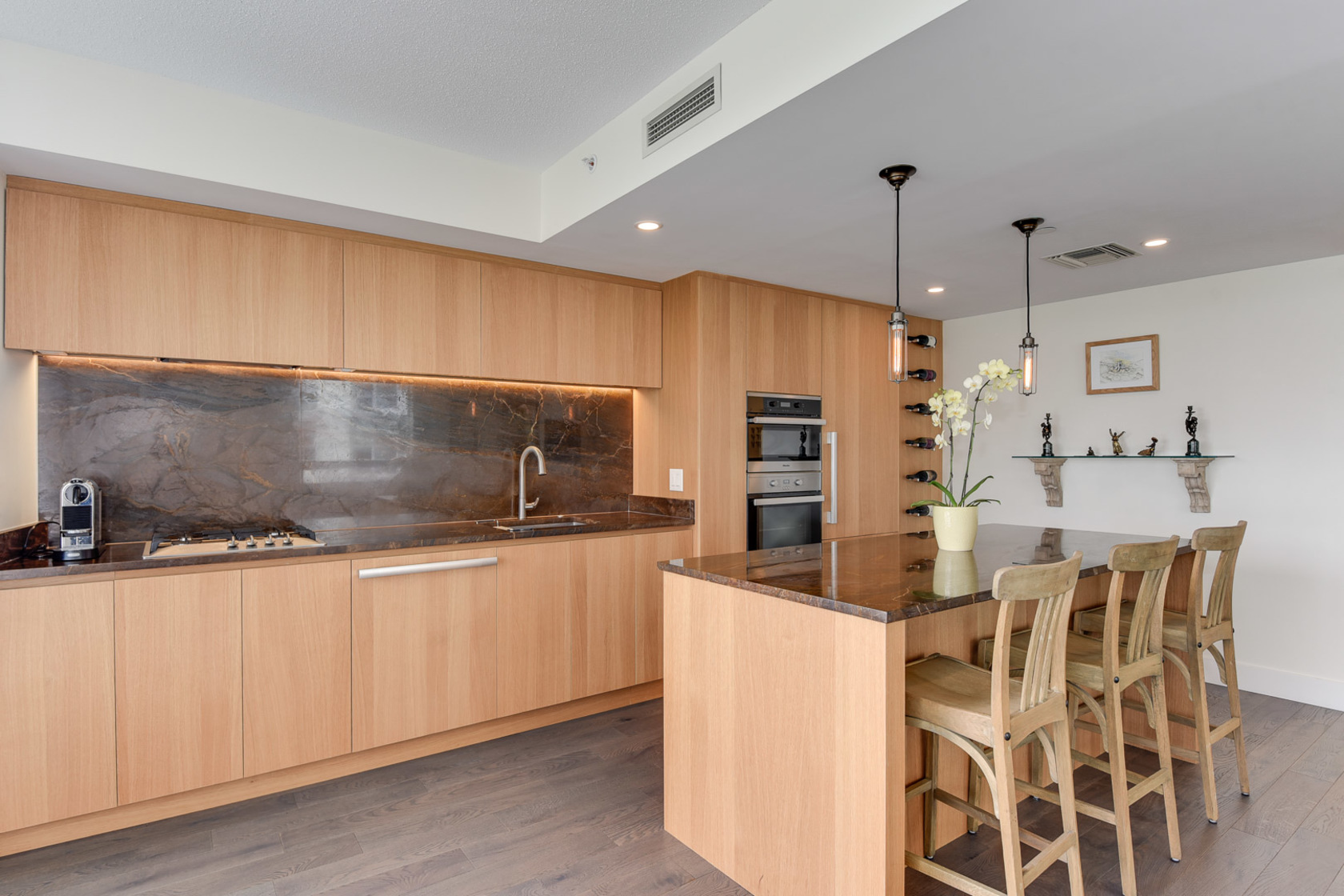 11-1-of-1 at 807 - 633 Kinghorne Mews, Beach Crescent (Yaletown), Vancouver West
