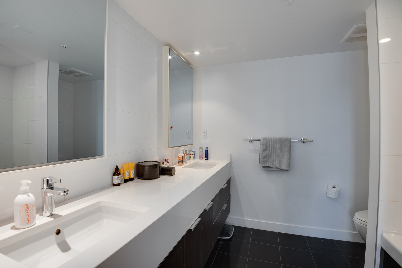 19 at 505 - 110 Switchmen Street, Olympic Village (Mount Pleasant VE), Vancouver West