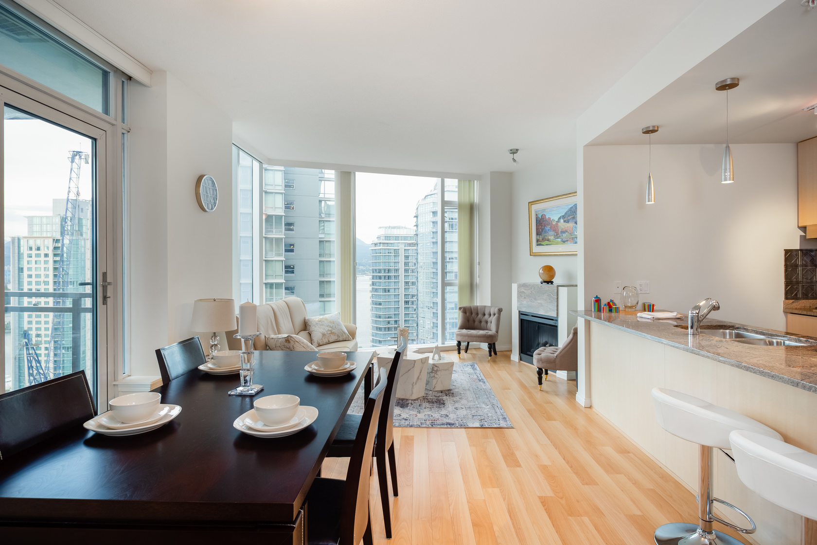 10 at 1905 - 1211 Melville Street, Coal Harbour, Vancouver West