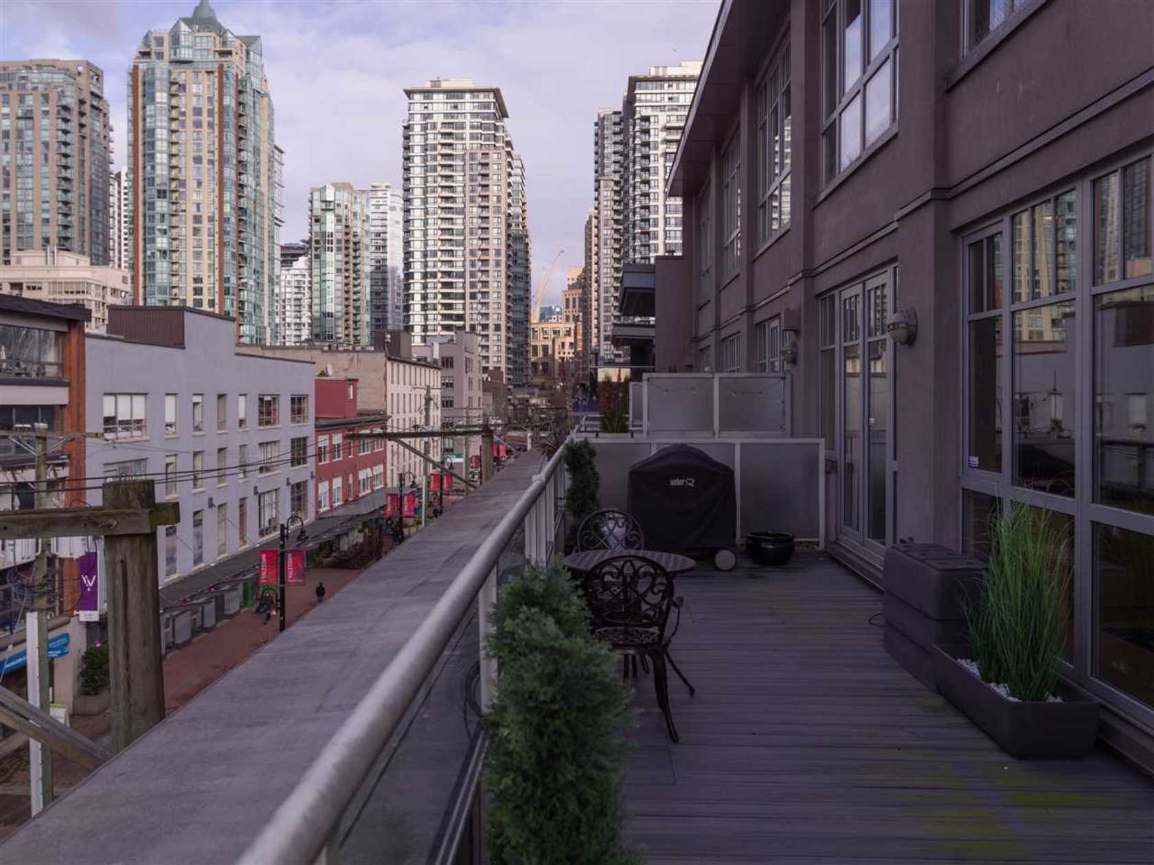 262455089-16 at 501 - 1072 Hamilton Street, Yaletown, Vancouver West