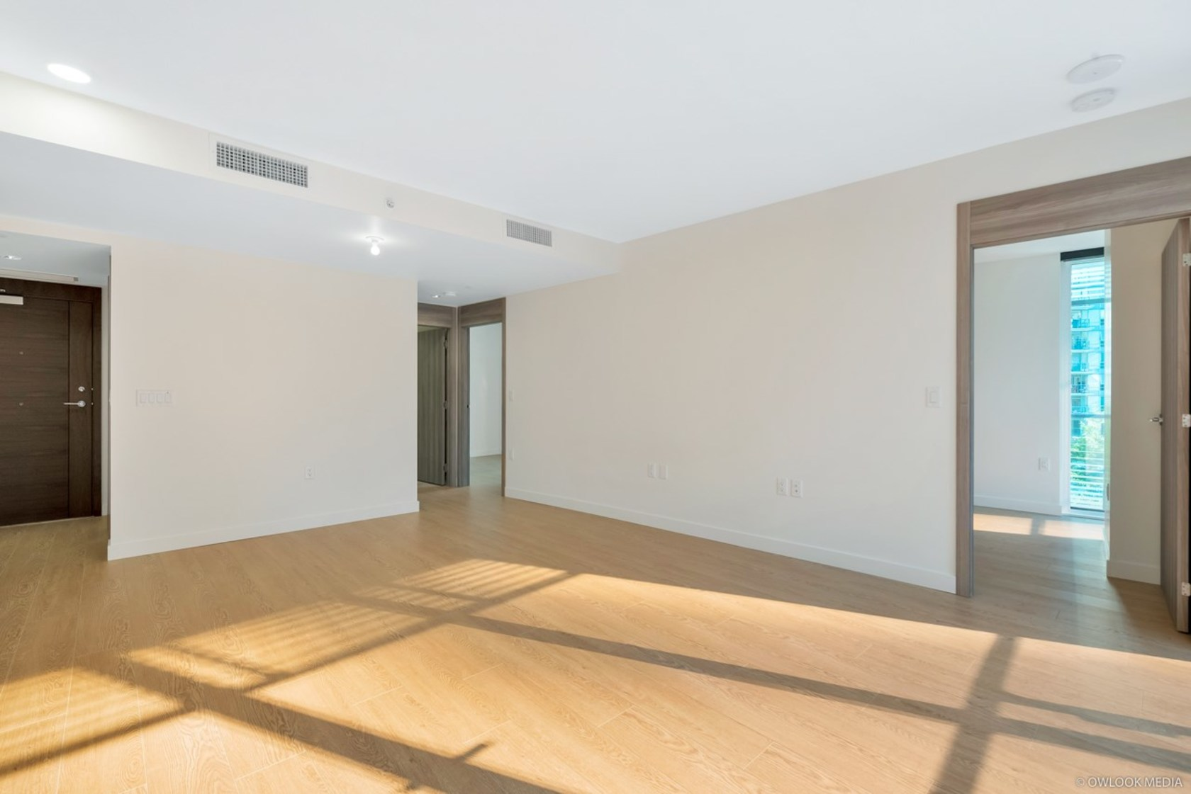 606-6 at 6th Floor - 89 Nelson Street, Yaletown, Vancouver West