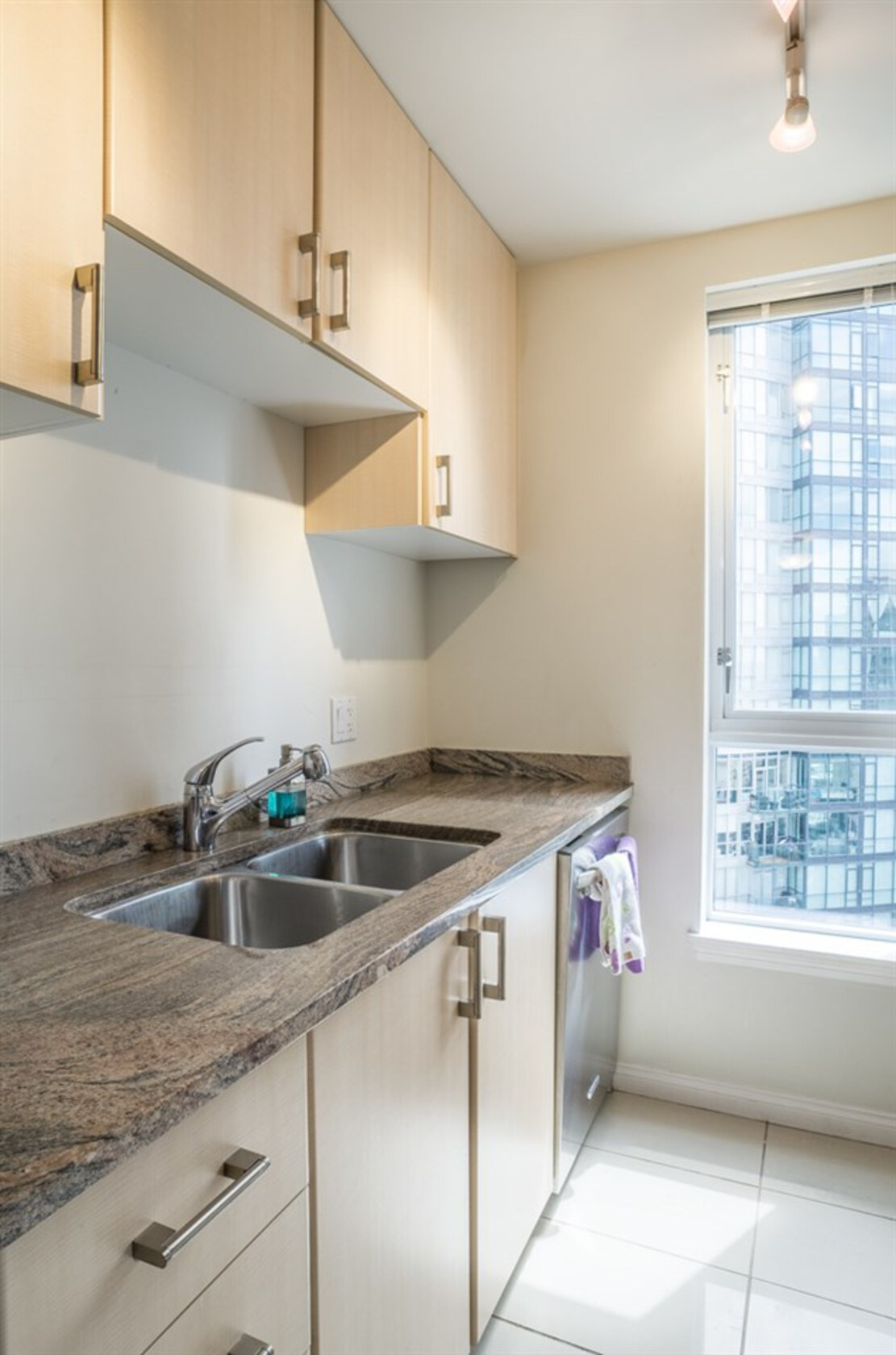 262128478-8 at 34th floor - 1211 Melville , Coal Harbour, Vancouver West