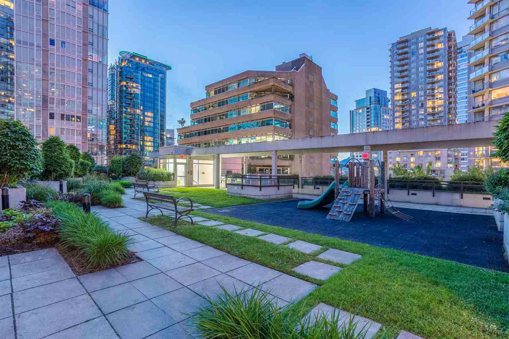 262190569-15 at 34th floor - 1211 Melville , Coal Harbour, Vancouver West