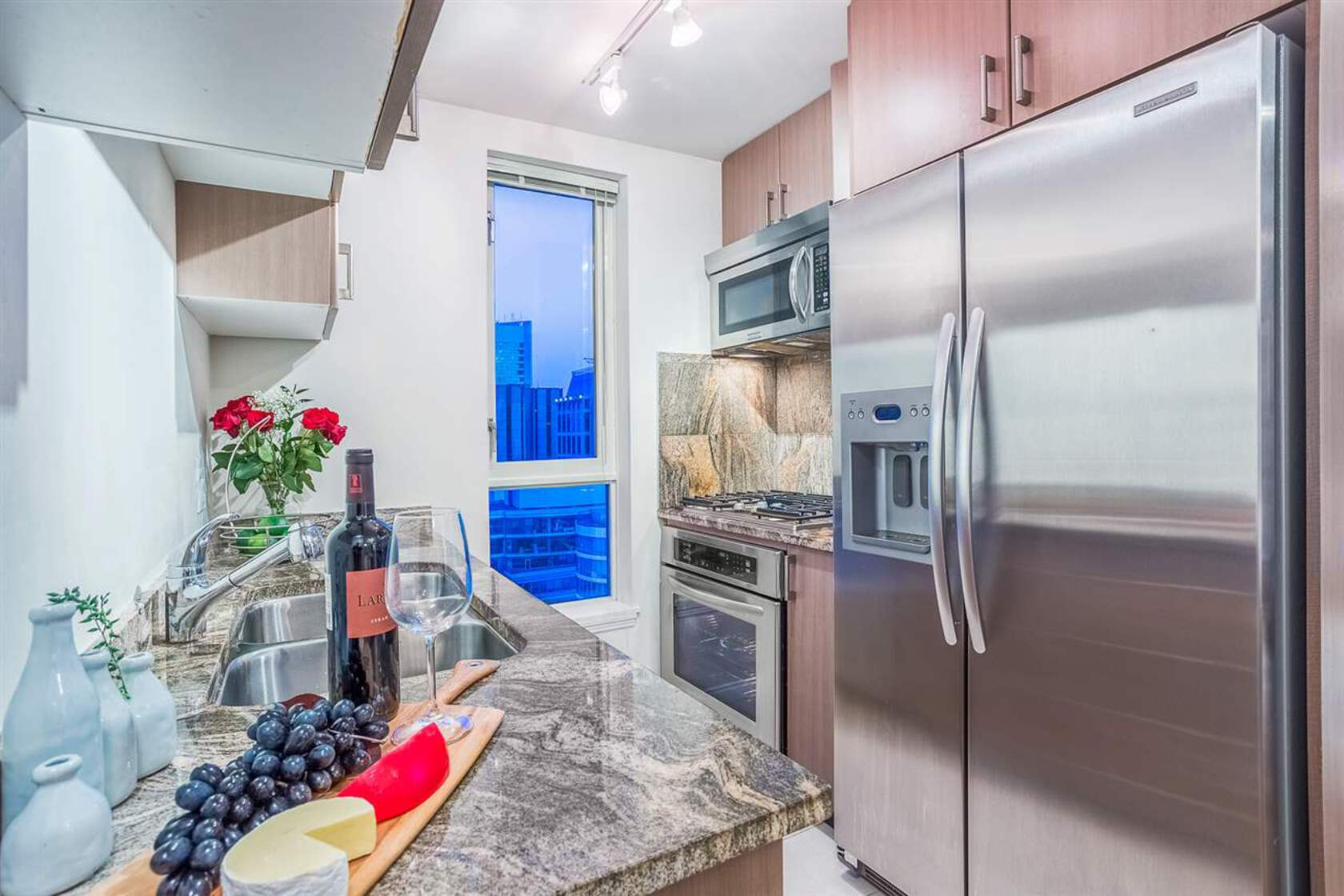 262190569-4 at 34th floor - 1211 Melville , Coal Harbour, Vancouver West