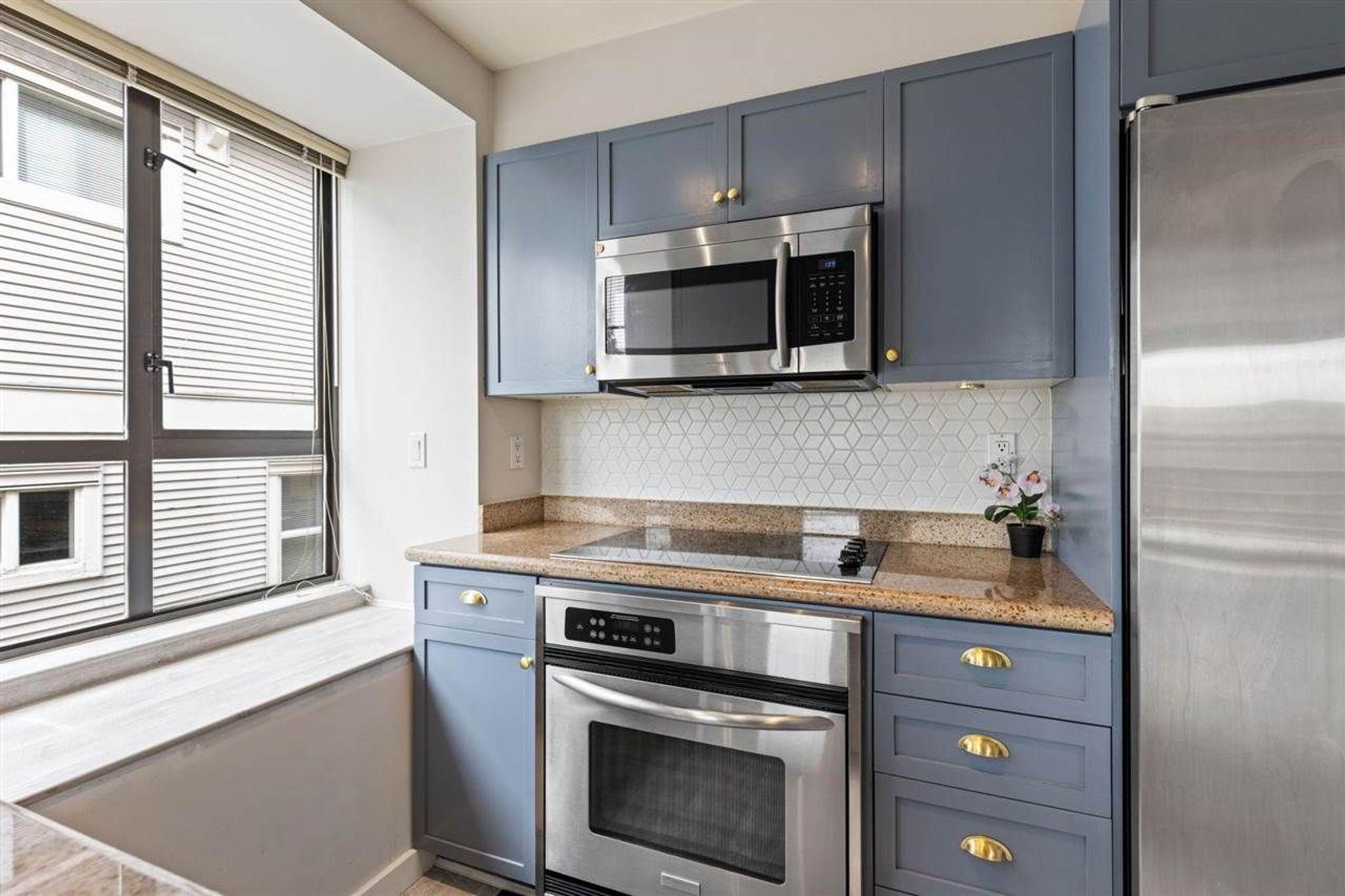 2436-w-4th-avenue-kitsilano-vancouver-west-10 at 301 - 2436 W 4th Avenue, Kitsilano, Vancouver West
