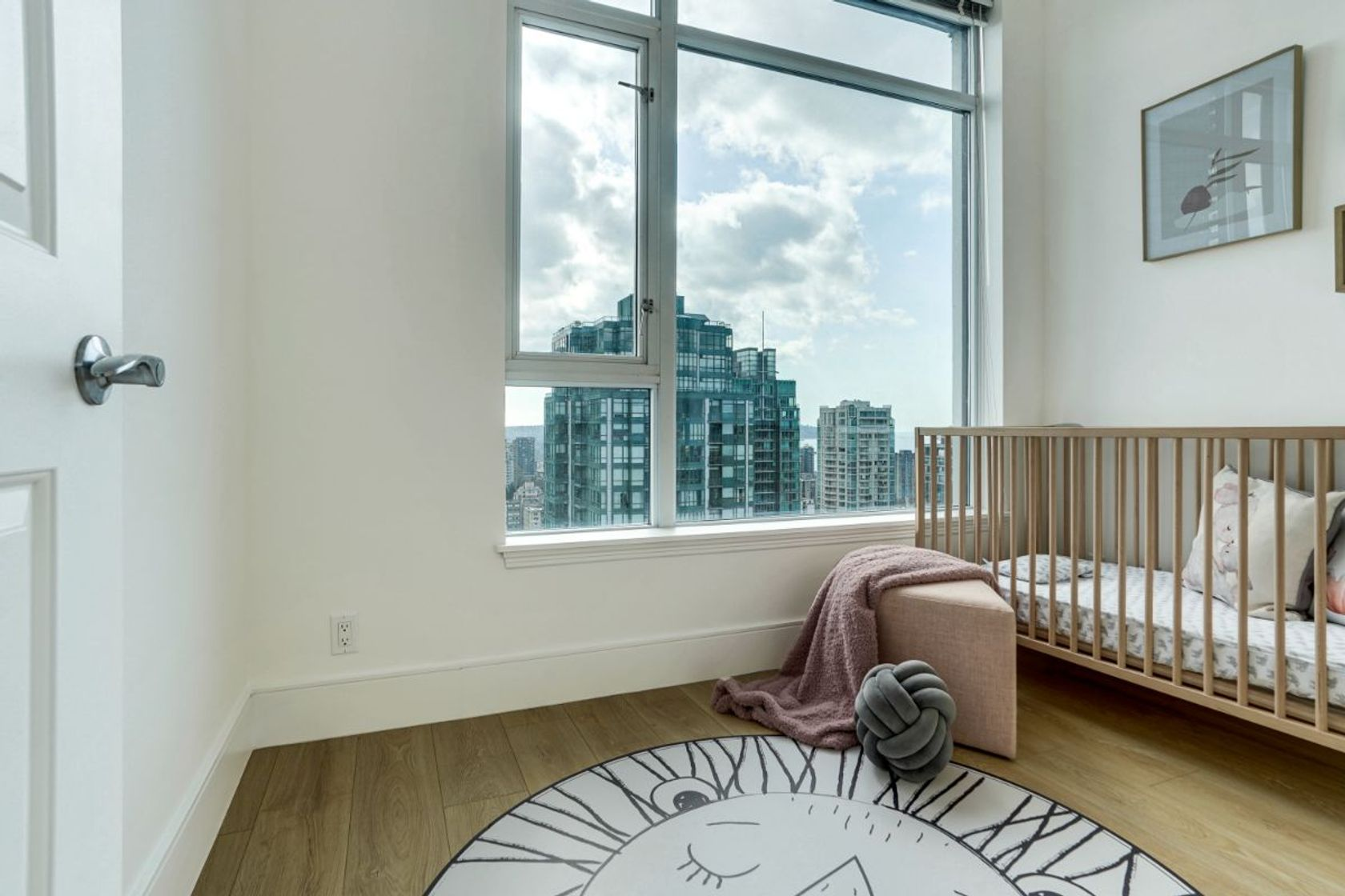 19 at 34th Floor - 1211 Melville, Coal Harbour, Vancouver West