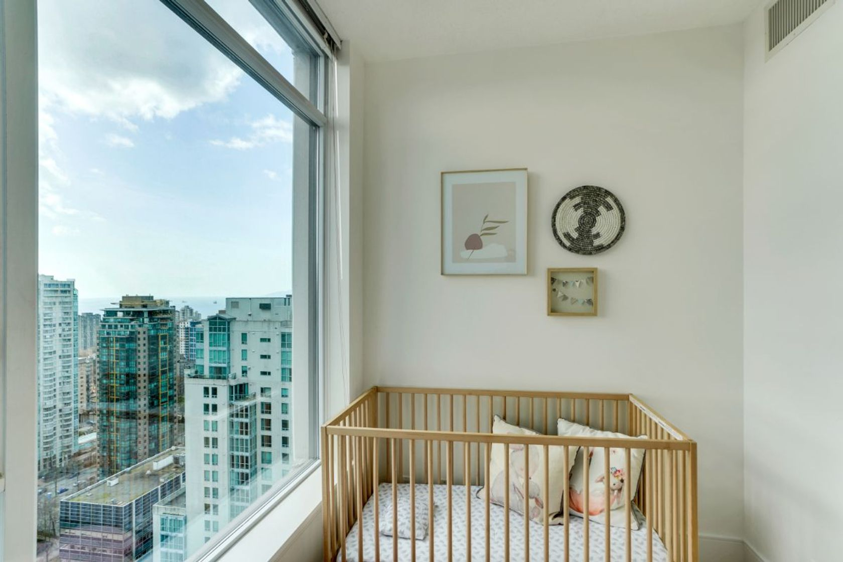 21 at 34th Floor - 1211 Melville, Coal Harbour, Vancouver West