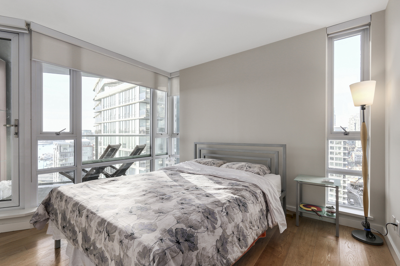 13 at 2206 - 8 Smithe, Yaletown, Vancouver West