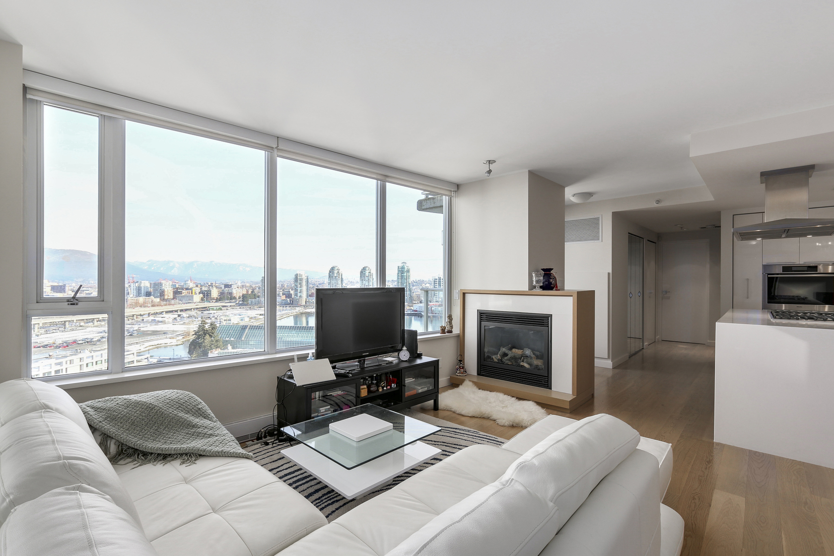7 at 2206 - 8 Smithe, Yaletown, Vancouver West