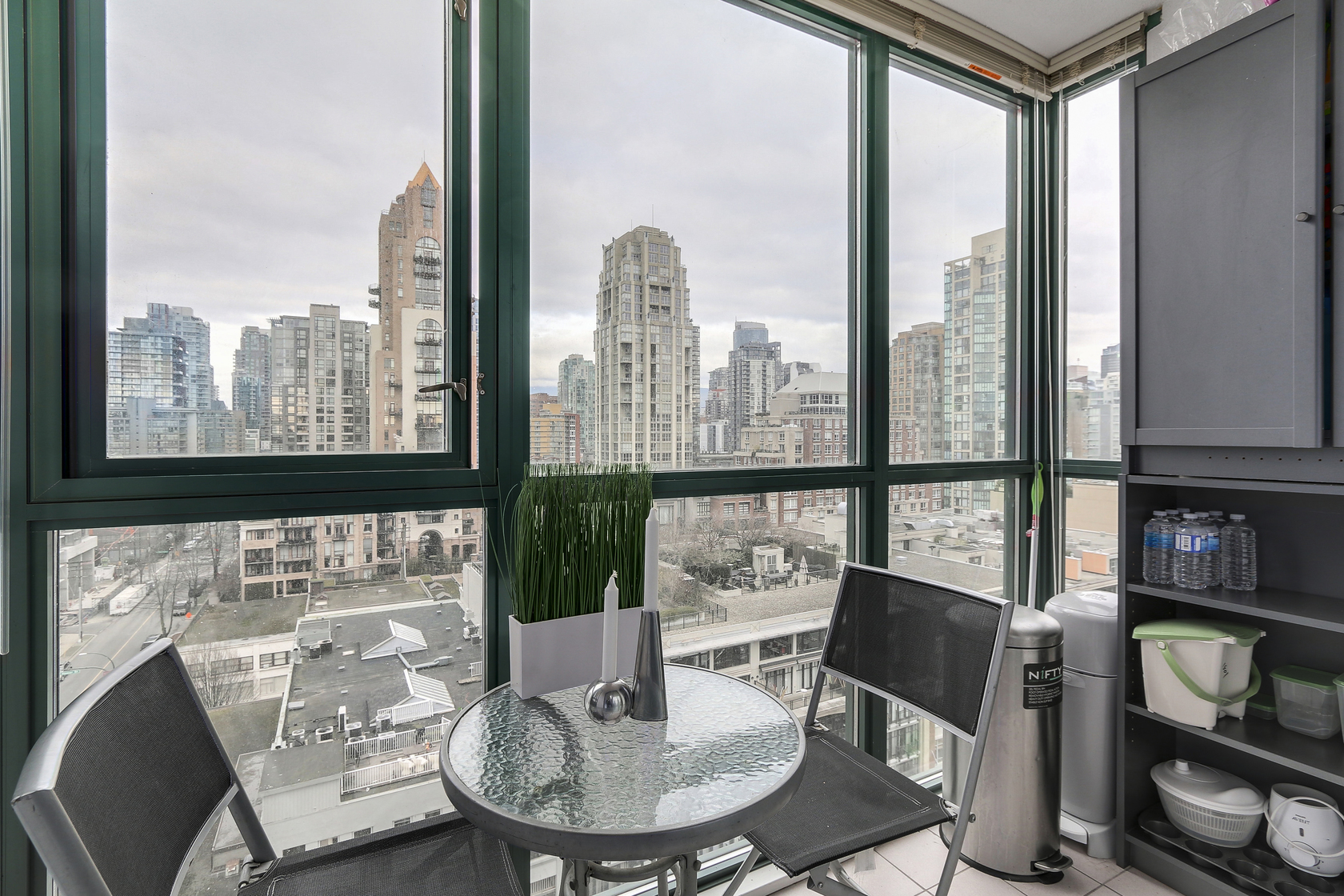 11 at 1501 - 289 Drake Street, Yaletown, Vancouver West