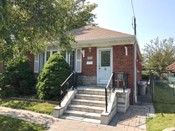 Front at 33 Archwood Crescent, Wexford-Maryvale, Toronto