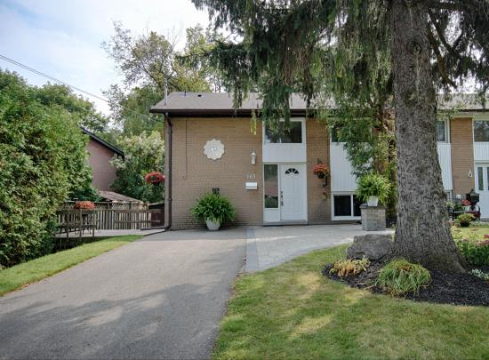 165 Three Valleys Drive, Parkwoods-Donalda, Toronto 2