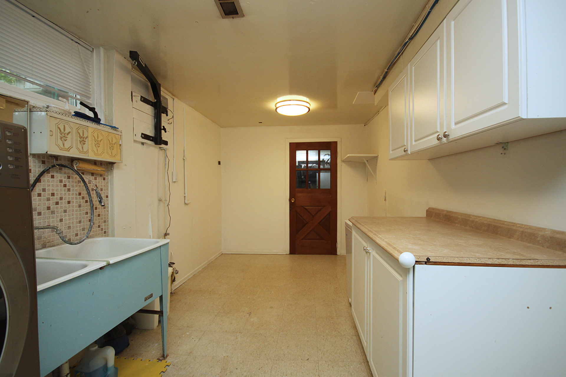 Laundry Room at 17 Royal Doulton Drive, Parkwoods-Donalda, Toronto