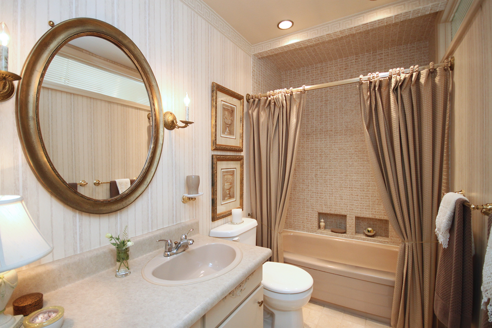 4 Piece Bathroom at 22 Kirkdale Crescent, Banbury-Don Mills, Toronto