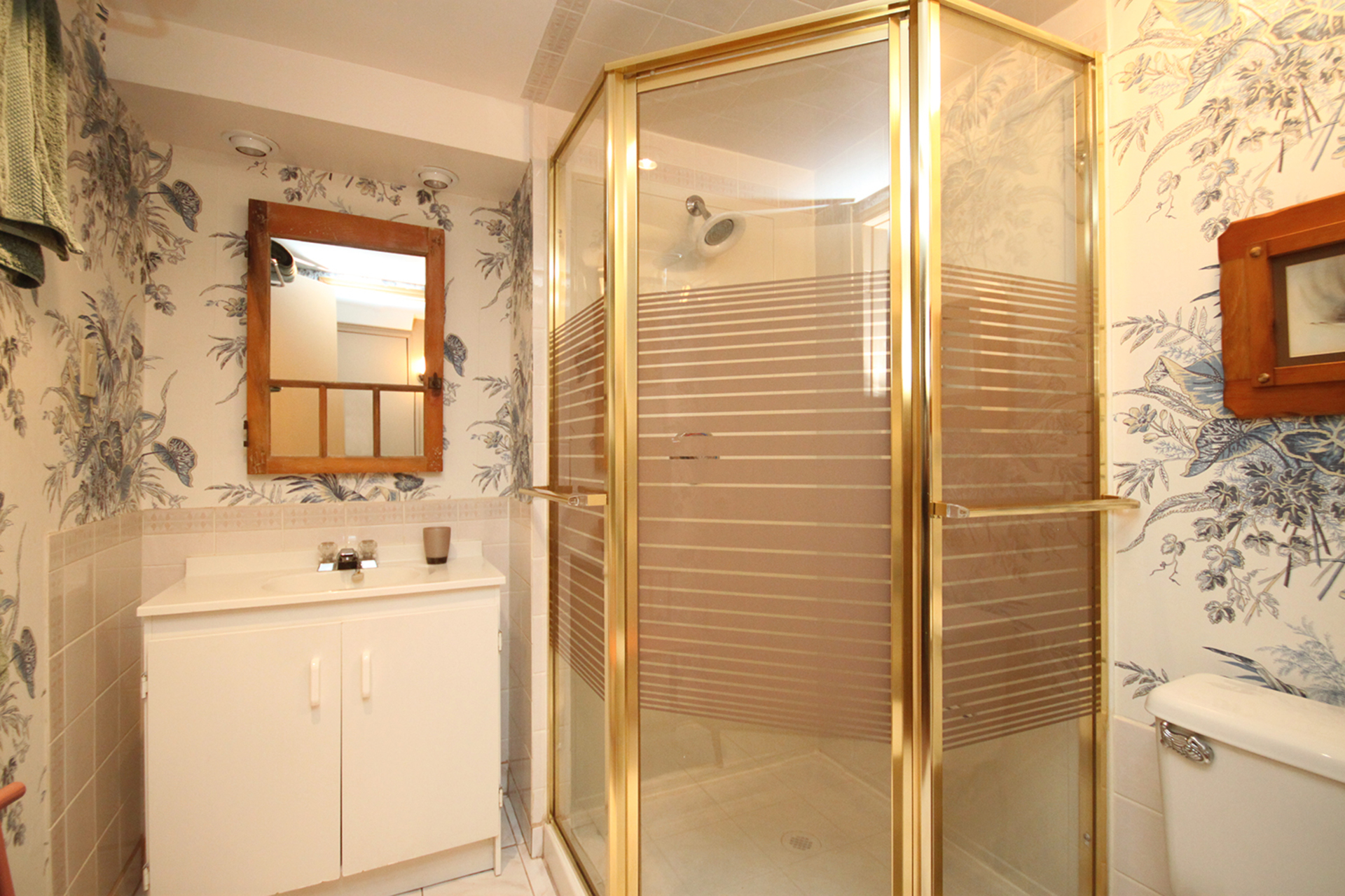 3 Piece Bathroom at 22 Kirkdale Crescent, Banbury-Don Mills, Toronto
