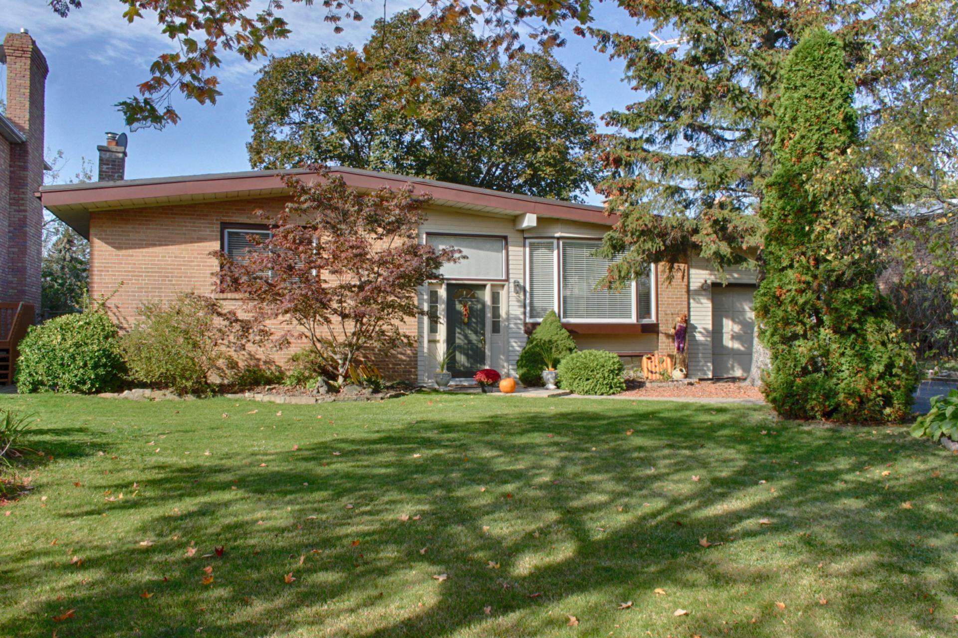 22 Kirkdale Crescent, Banbury-Don Mills, Toronto