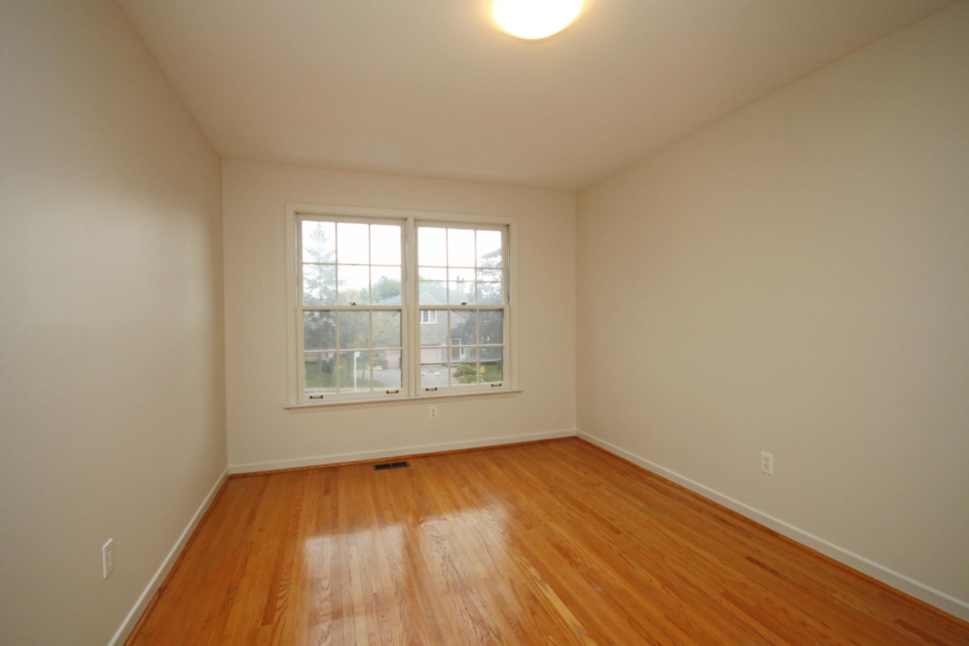 Bedroom at 118 Cassandra Boulevard, Parkwoods-Donalda, Toronto