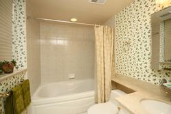 4 Piece Ensuite Bathroom at 430 - 3600 Yonge Street, Bedford Park-Nortown, Toronto