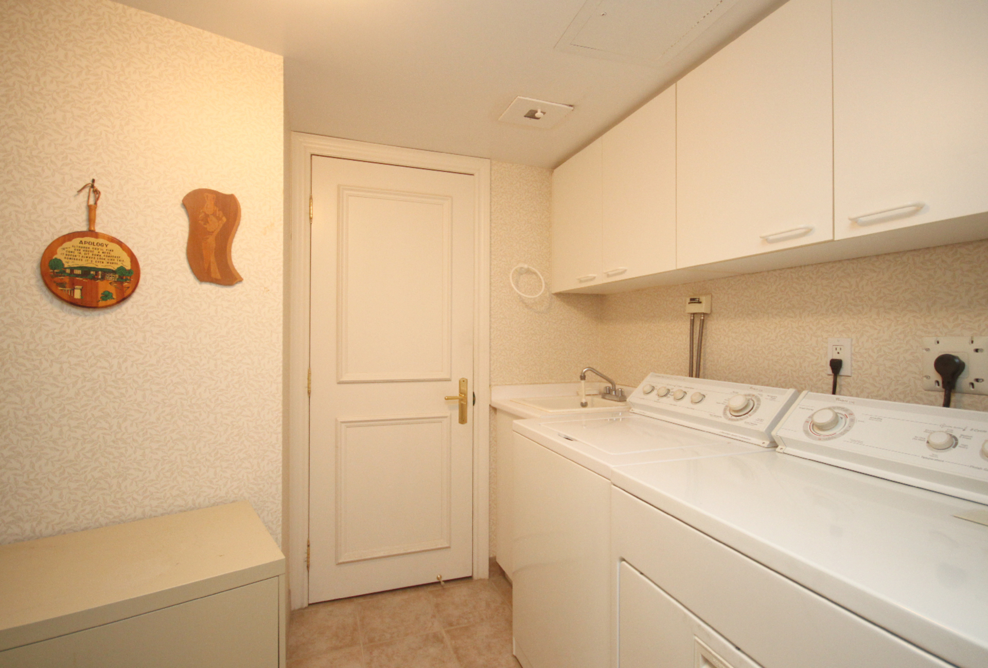 Laundry Room at 430 - 3600 Yonge Street, Bedford Park-Nortown, Toronto
